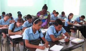 A cobertura docente em províncias como Havana e Matanzas ainda não atingem 100%, mas se utilizam variantes para não afetar a aprendizagem dos alunos.