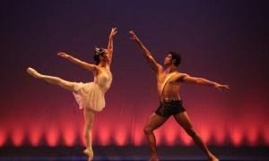 Talvez uma das últimas ocasiões em que Carlos Acosta dance Diana e Acteón. Aqui vai acompanhado de Laura Rodríguez